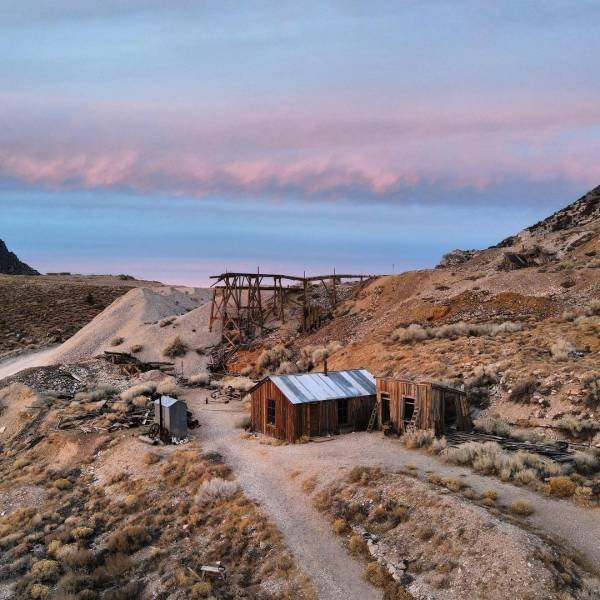 American Entrepreneur Bought An Abandoned Town To Recreate It As A Touristic Place (27 pics)