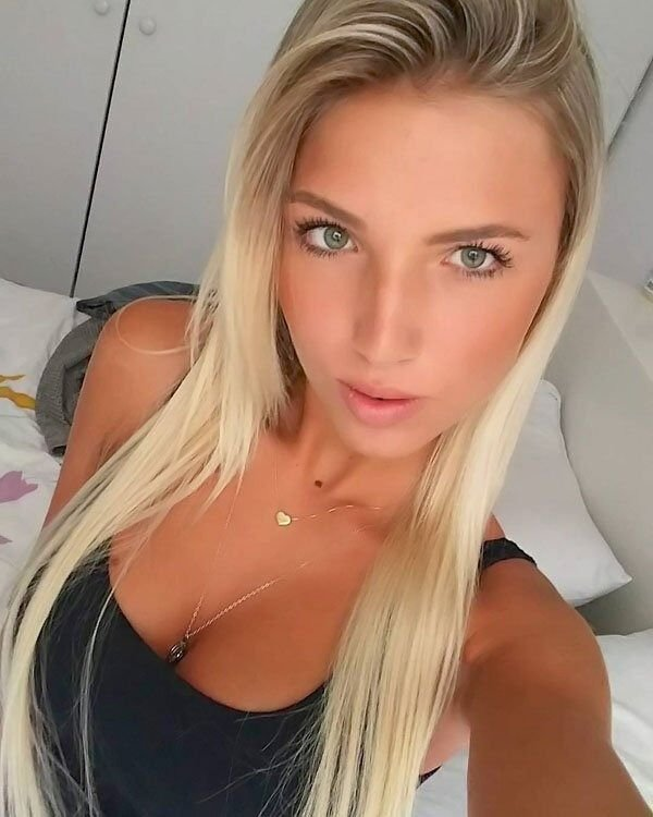 Blonde Girls (35 pics)