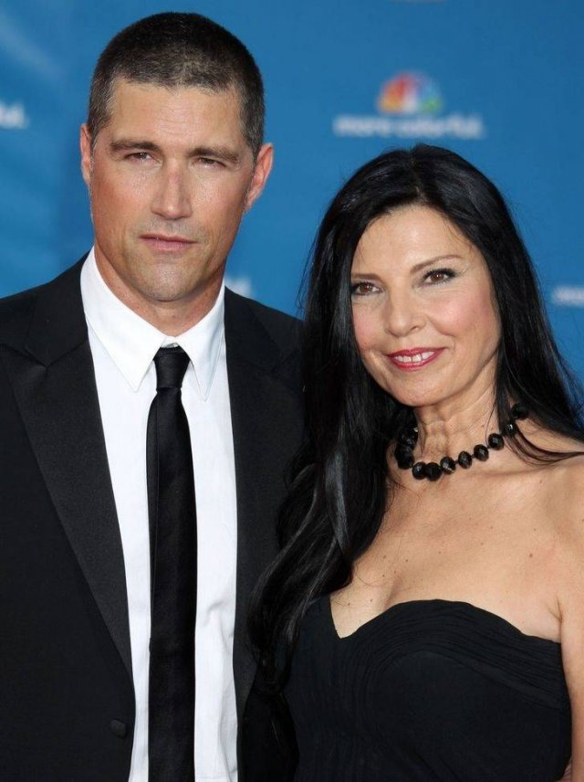 Heartthrob Actors With Their Wives (14 pics)