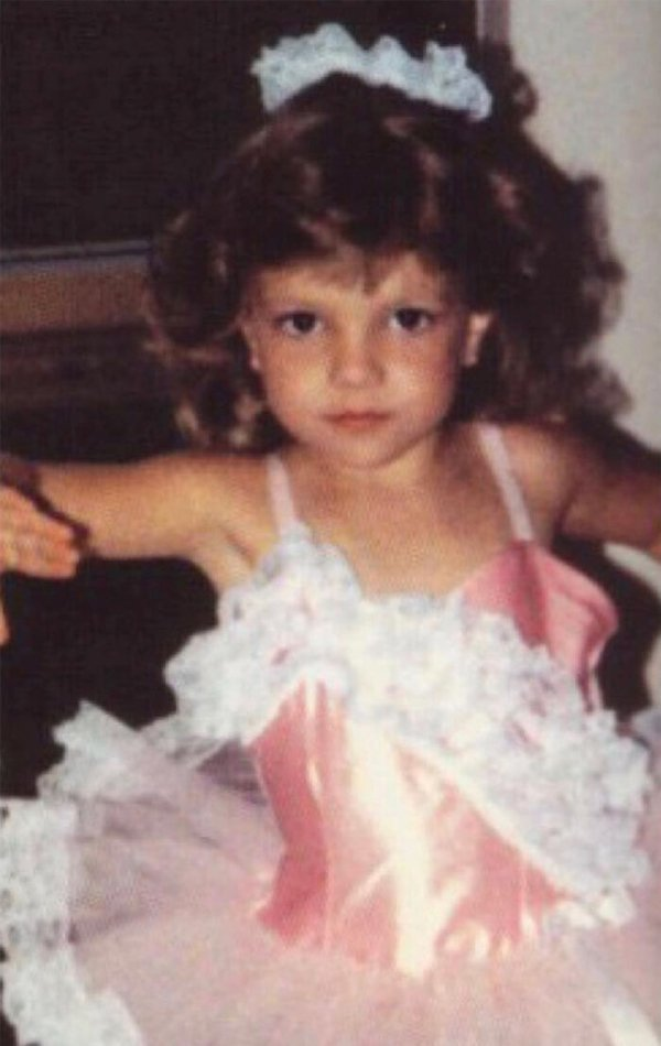 Celebrity Childhood Photos (25 pics)