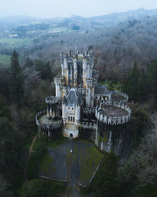 Beautiful Abandoned Places (29 pics)