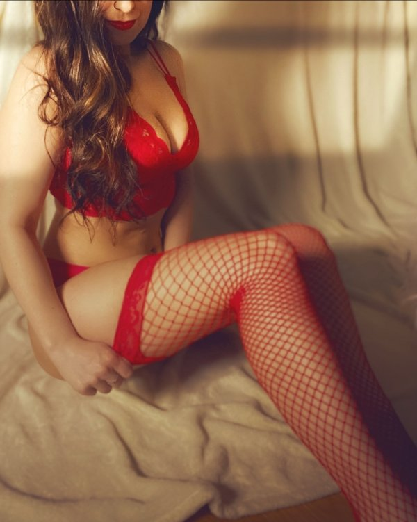 Girls In Lace And Fishnet (40 pics)