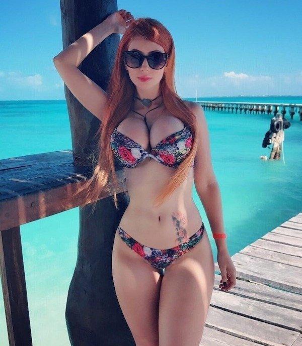 Hot Girls (47 pics)