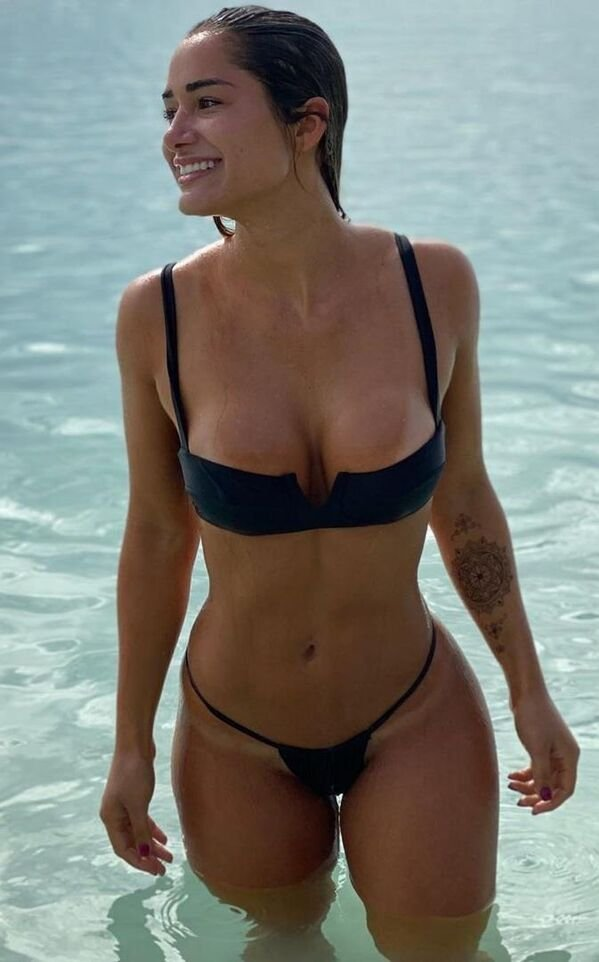 Girls With Tan Lines (31 pics)