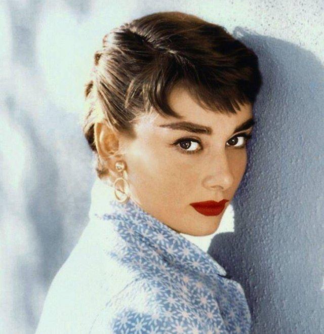 Celebrity Women Real Names (13 pics)