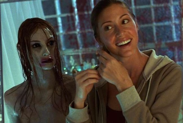Hot Horror Movie Characters (25 pics)