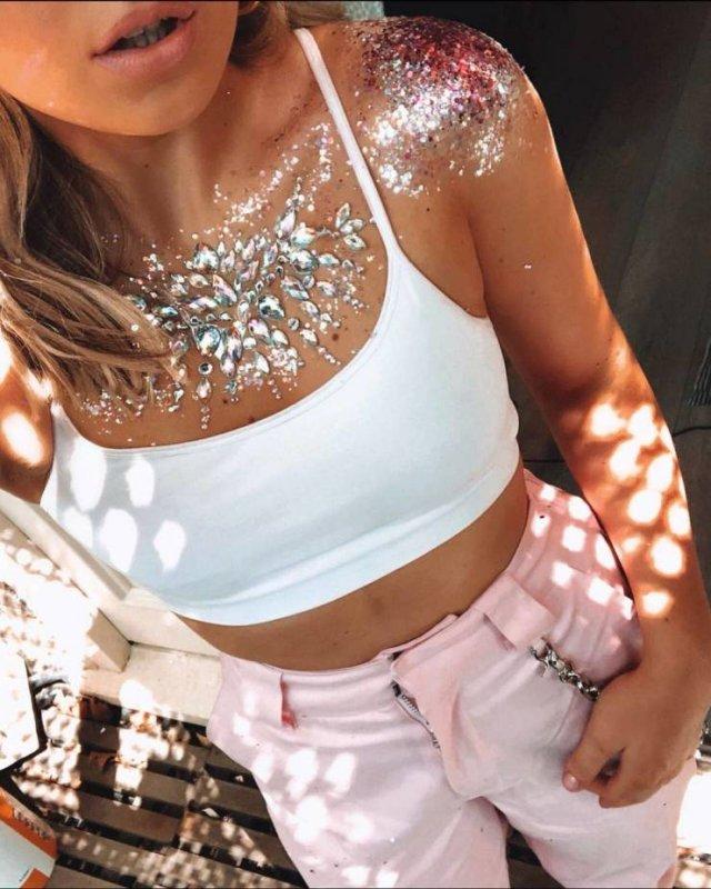 Girls In Glitter (26 pics)
