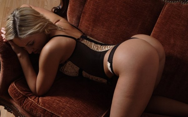 Bend At The Waist (29 pics)