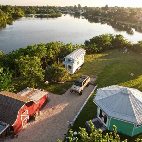 This Man Created Paradise On His Own Private Island In Florida (37 pics)