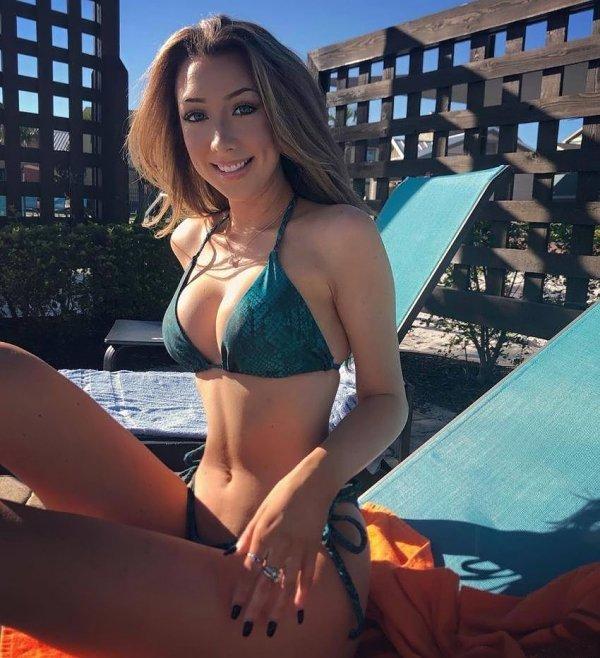 Bikini Girls (38 pics)