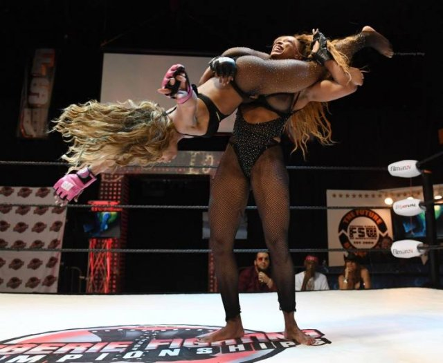 Lingerie Fight Championships In Las Vegas (50 pics)