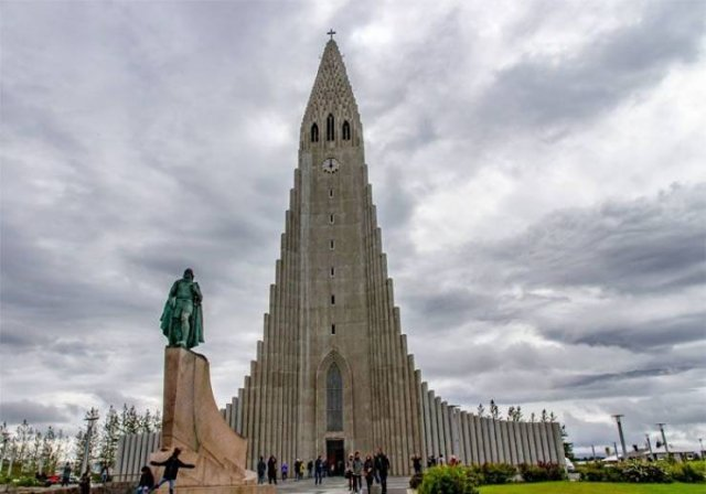 Life In Iceland (25 pics)