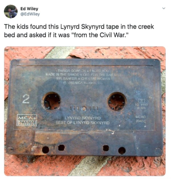 Modern Children Have No Idea What Are These Old Things For (24 pics)