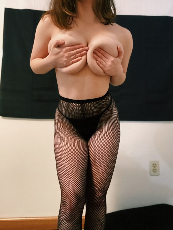 Girls In Lace And Fishnet (42 pics)