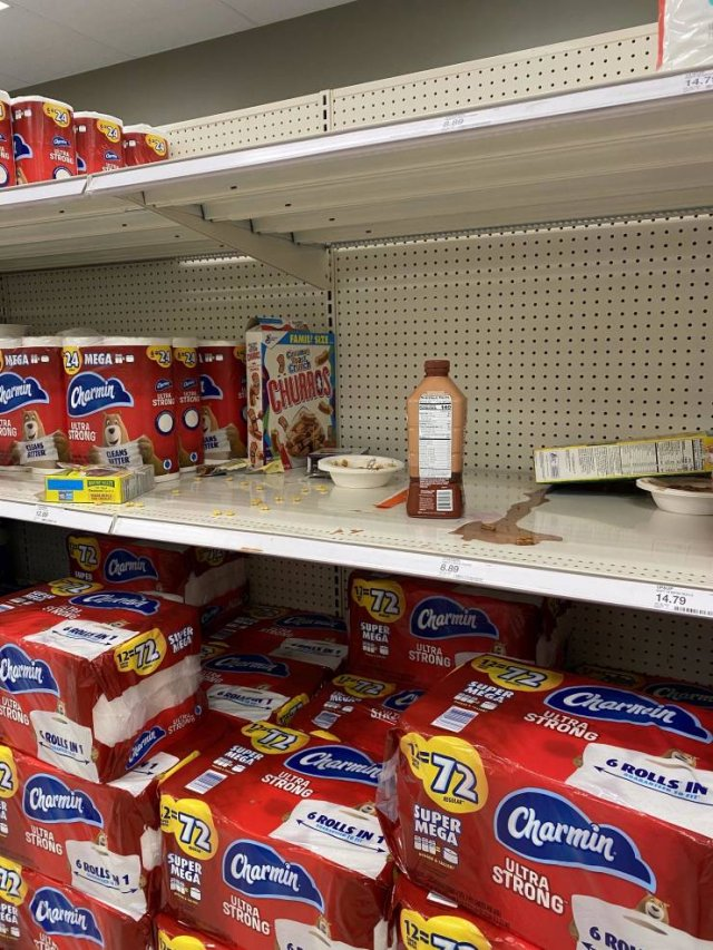 Things 'Target' Employees Love And Hate (22 pics)