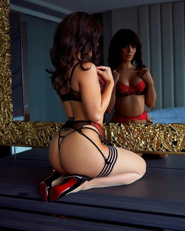 High Heels Girls (42 pics)