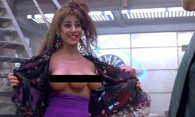 Weird Movie Scenes That Turn People On (24 pics)