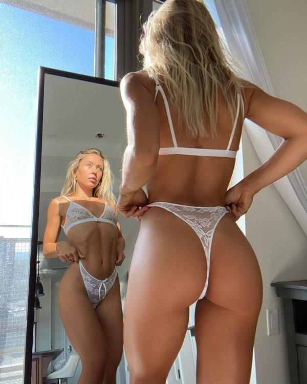 Hot Girls (67 pics)