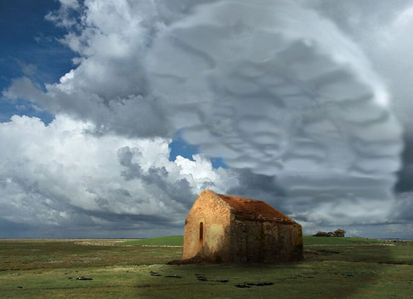 Photoshopped Clouds (38 pics)