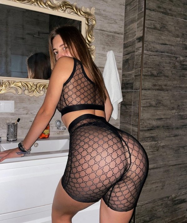 Girls In Lace And Fishnet (66 pics)