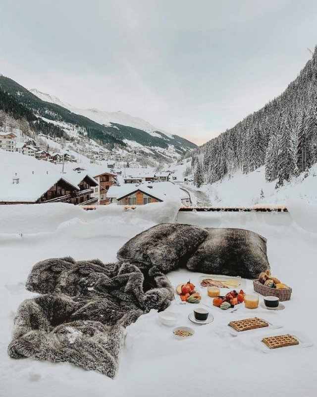 Breakfast With A Beautiful View (30 pics)