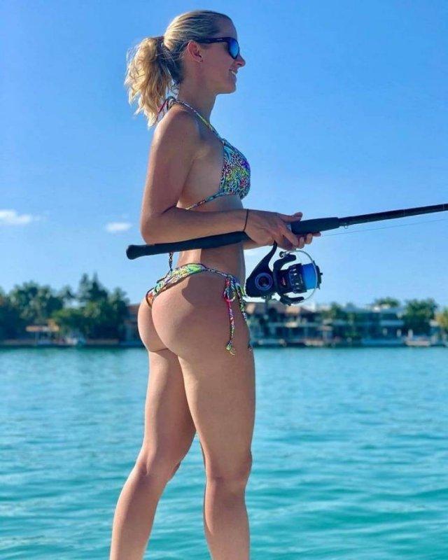 Fisher Girls (49 pics)
