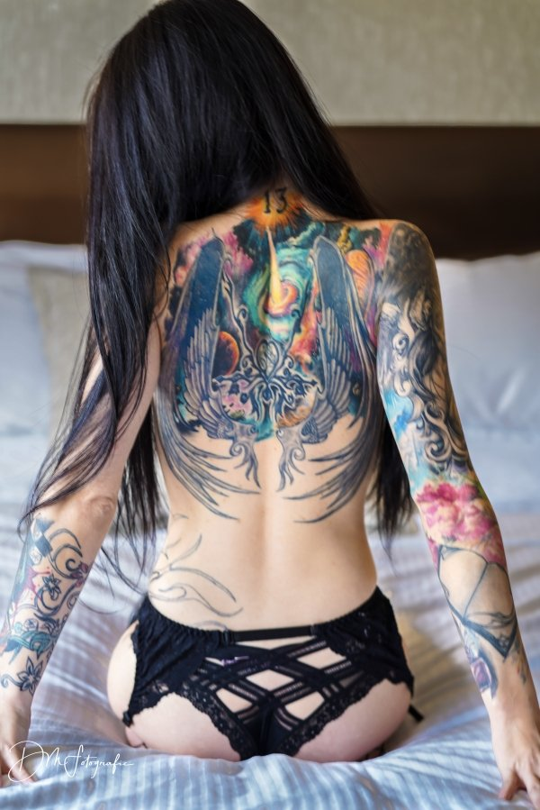Girls With Tattoos (68 pics)