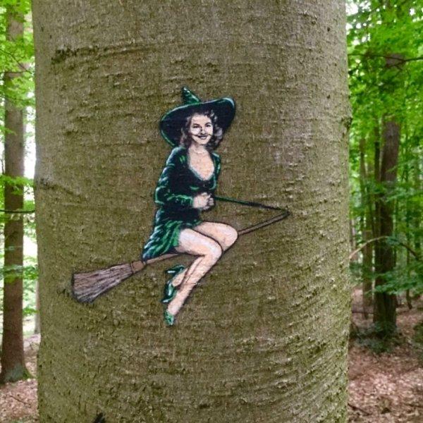 Unusual Street Art (28 pics)
