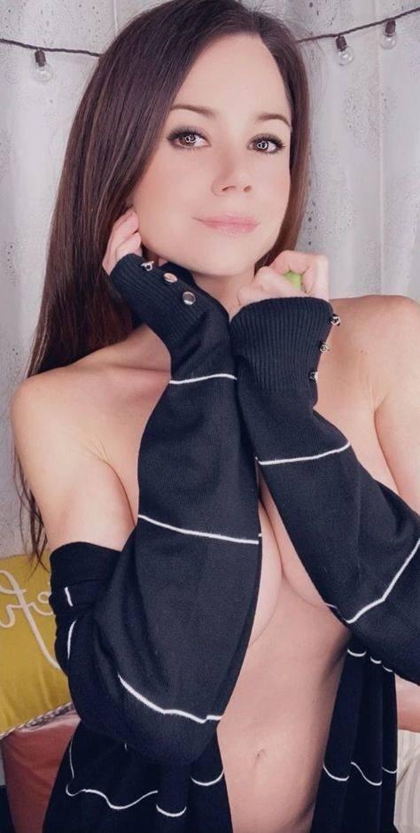Hand Bras (48 pics)