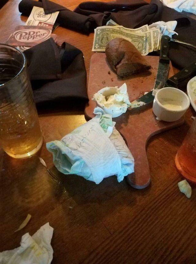 Don't Allow These People To Eat At Restaurants (24 pics)