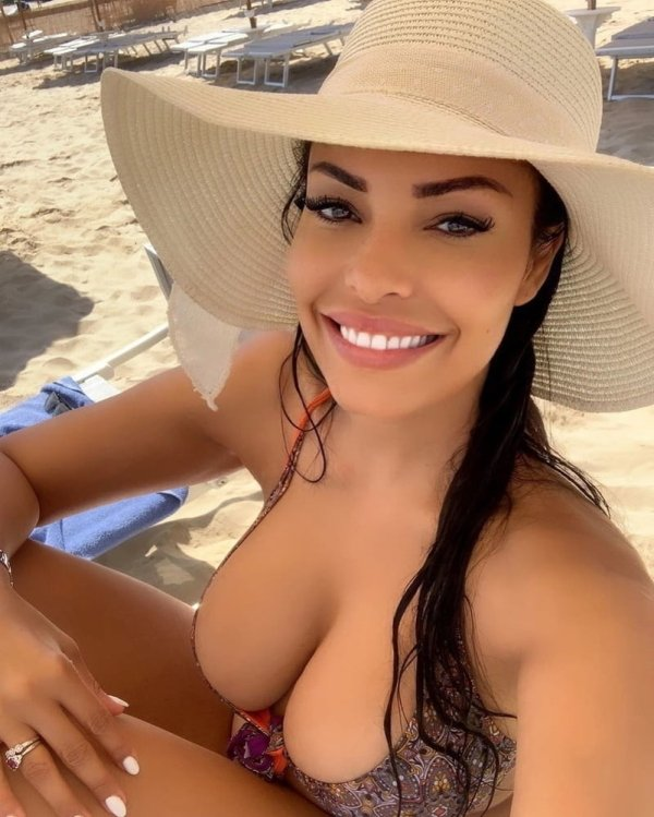 Girls With Beautiful Smiles (45 pics)
