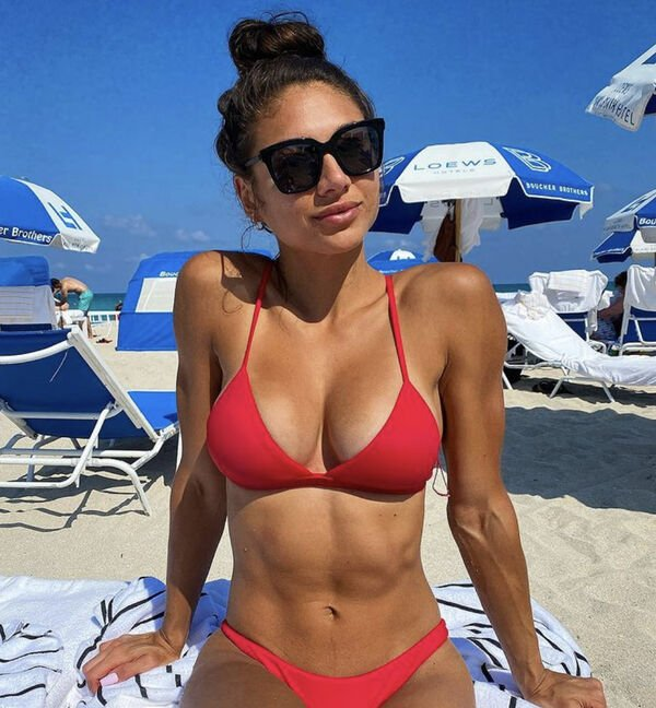 Girls With Tan Lines (41 pics)