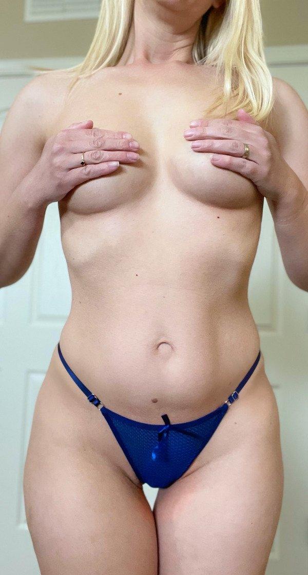 Hot Girls (79 pics)