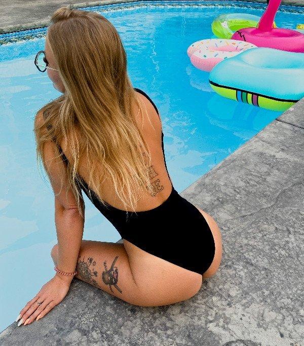 Tattooed Girls (44 pics)