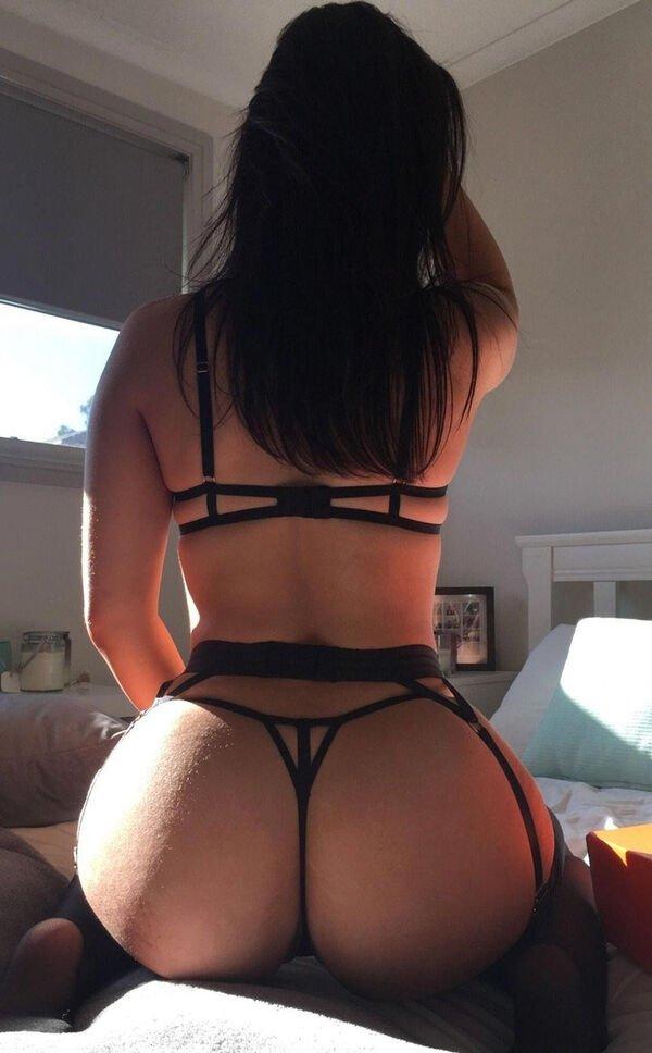 Hot Girls (42 pics)