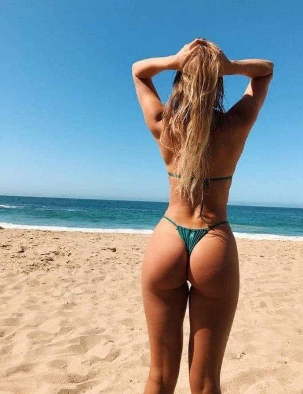 Hot Girls (69 pics)