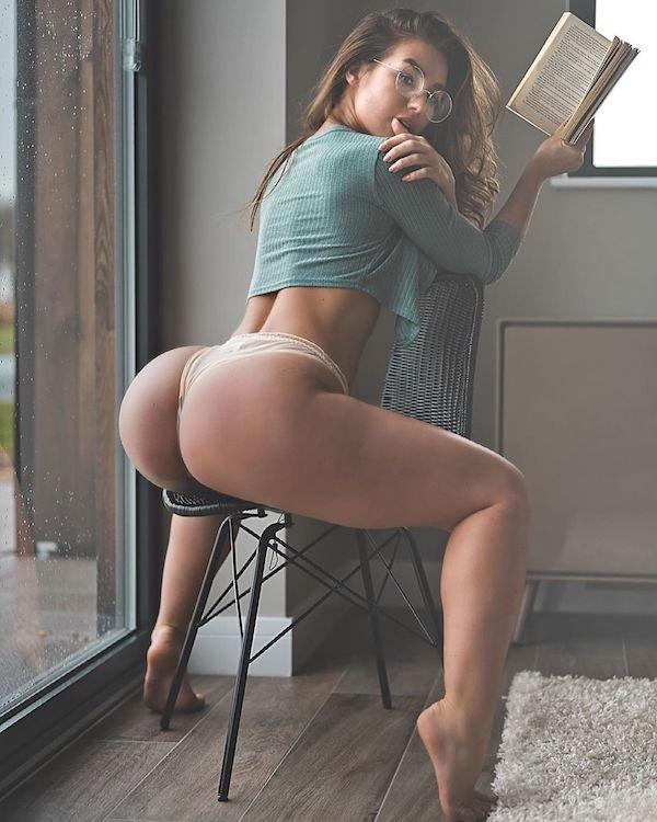 Rear View (38 pics)