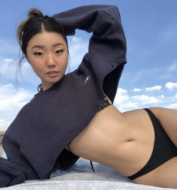 Summer Girls (38 pics)
