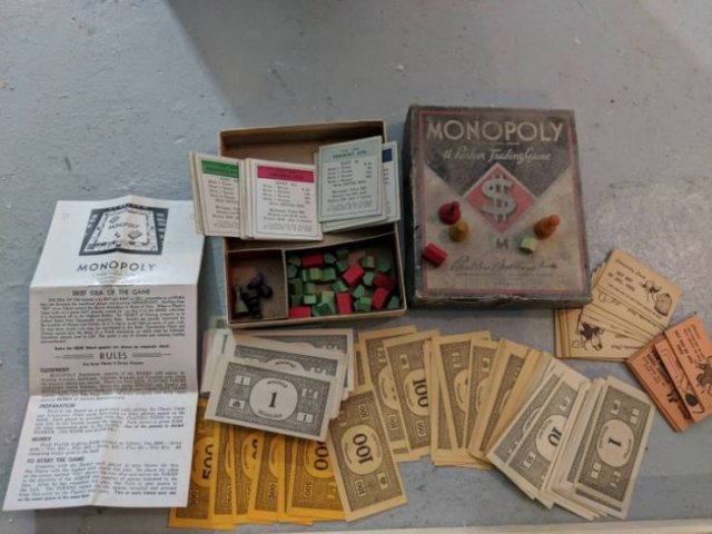 People Share Old Things Found In Their Houses (16 pics)