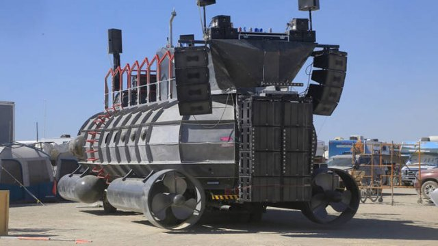 'Burning Man' Festival Vehicles (36 pics)