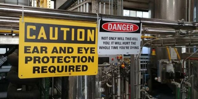 These People Haven't Heard About Safety (27 pics)