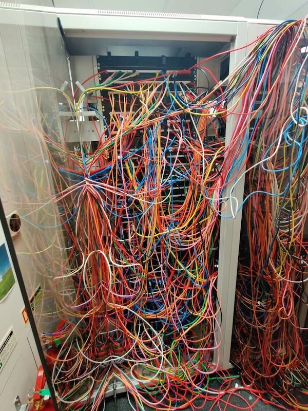 When Tech Support Needs Support (29 pics)