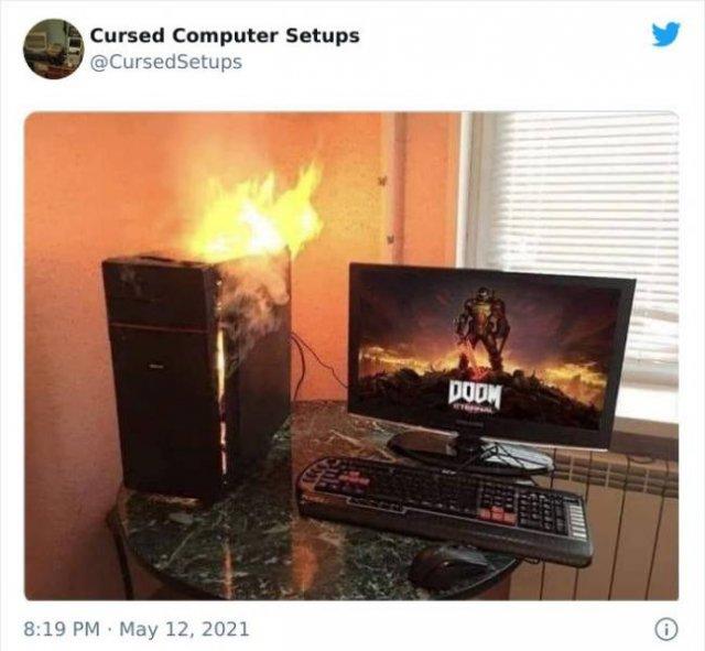 Cursed Computer Setups (29 pics)