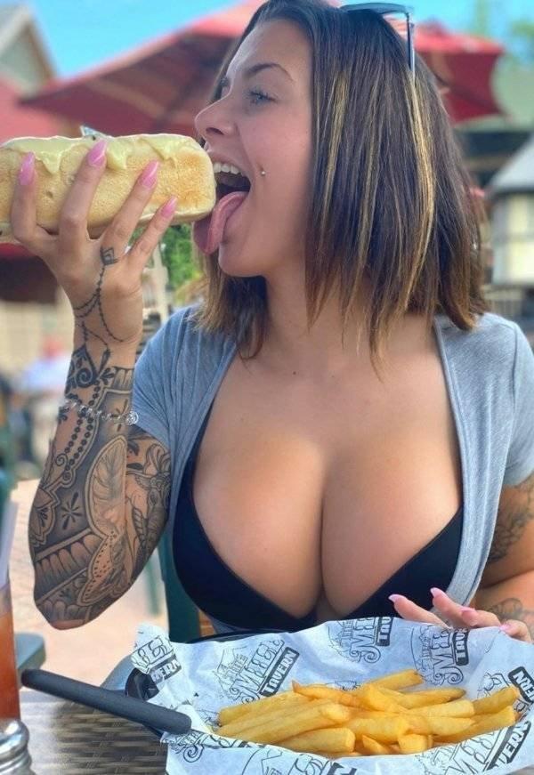 Tattooed Girls (46 pics)