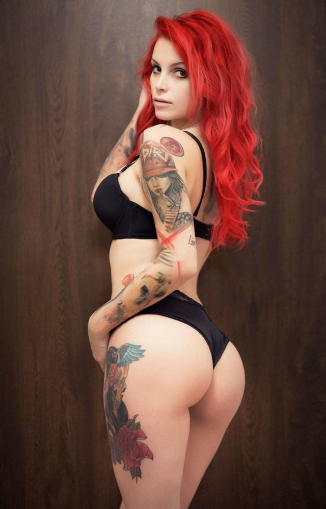 Girls With Dyed Hair (44 pics)