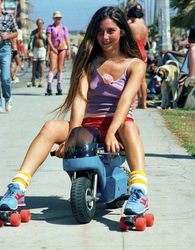Roller Skating In Los Angeles In 80's (47 pics)