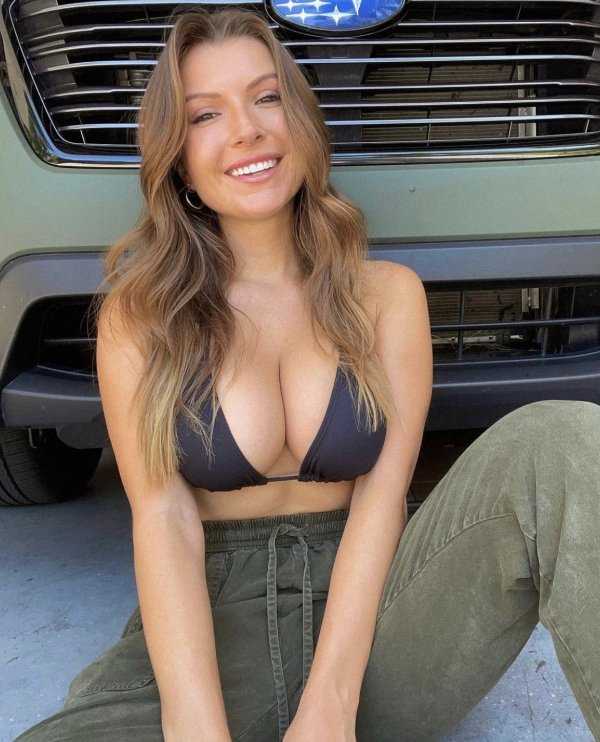 Girls With Beautiful Smiles (44 pics)