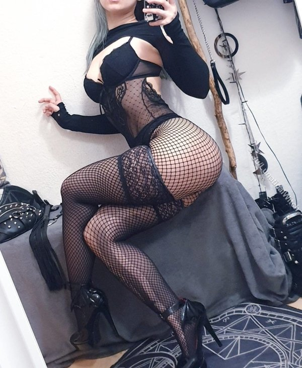 Girls In Lace And Fishnet (54 pics)