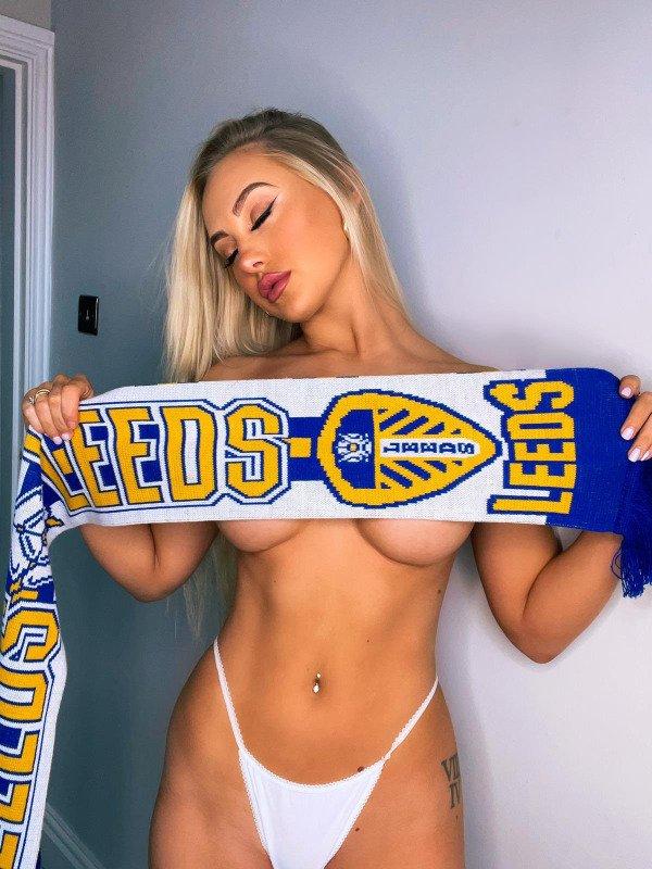 Sport Fan Girls (31 pics)