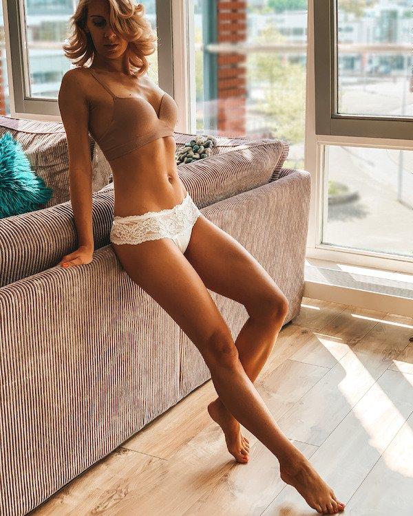 Beautiful Girls (99 pics)